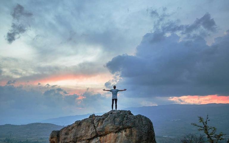 """3 นิสัยที่เปลี่ยน """"คนธรรมดา"""" ให้ประสบความสำเร็จ"""